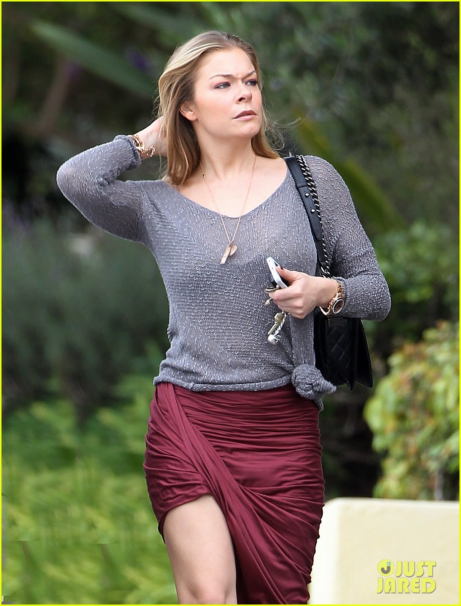leann rimes spends day catching up on real life 02
