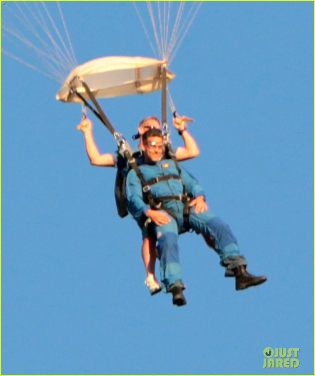 leann rimes eddie cibrian skydive elsinore couple 122990953