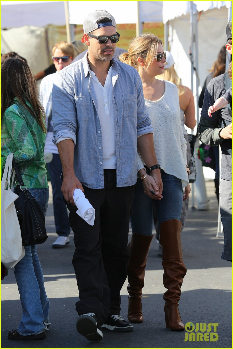 leann rimes eddie cibrian get affectionate at farmers market 072990052
