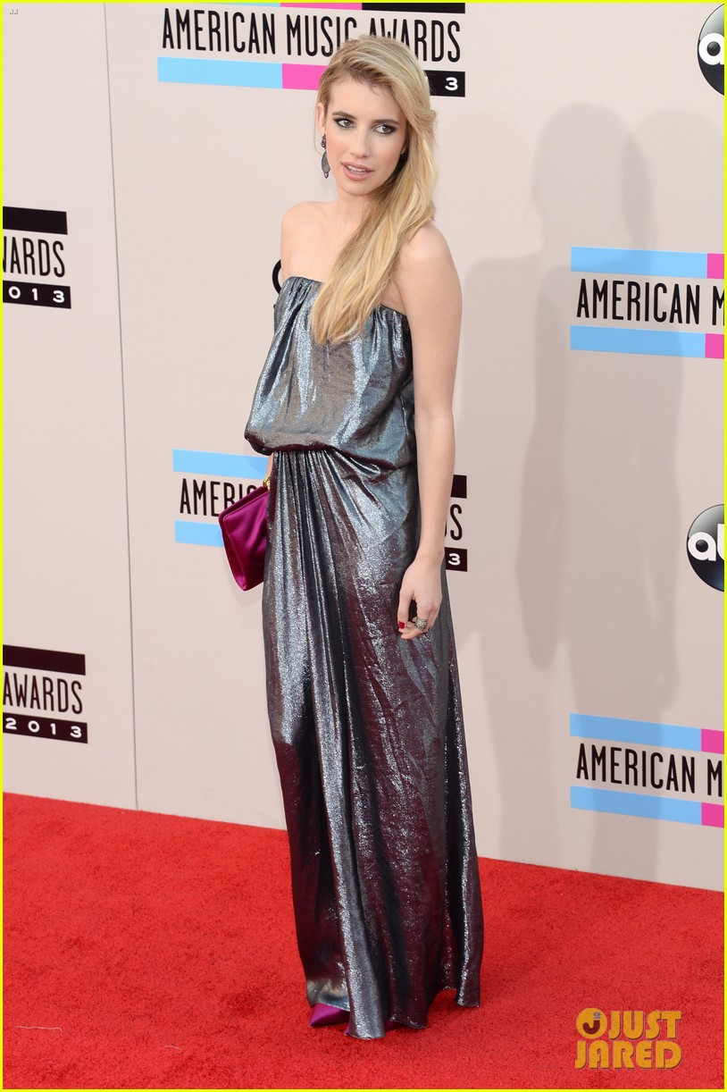 emma roberts amas 2013 red carpet 032999284