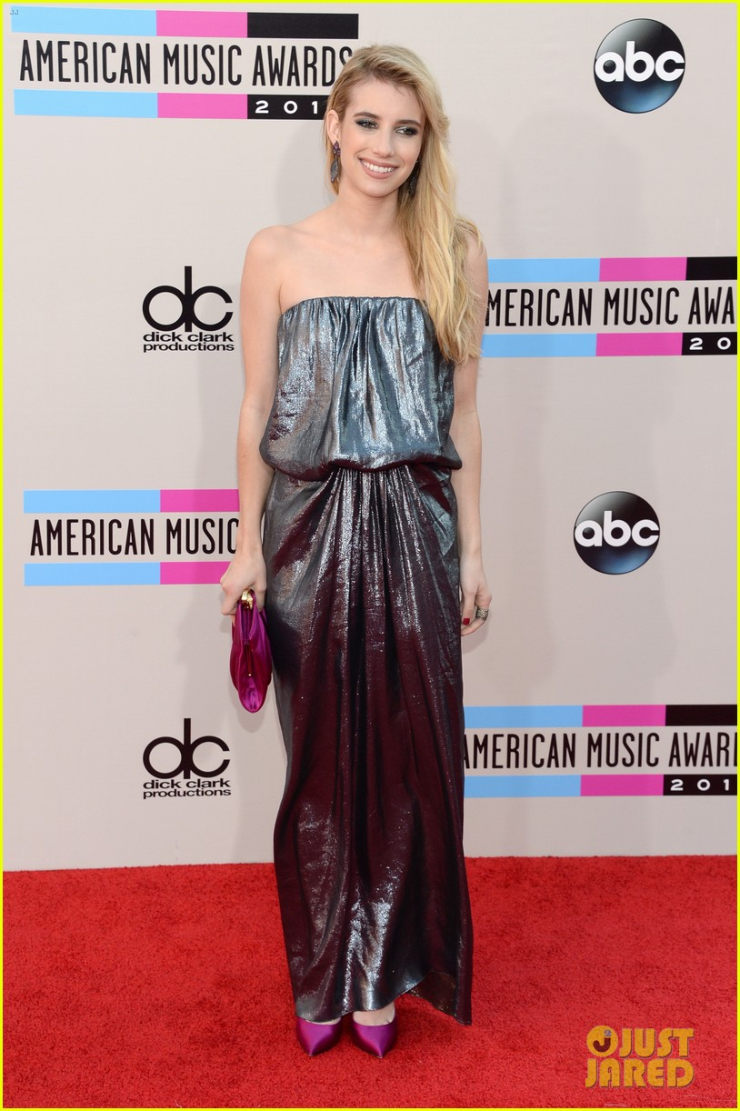 emma roberts amas 2013 red carpet 11