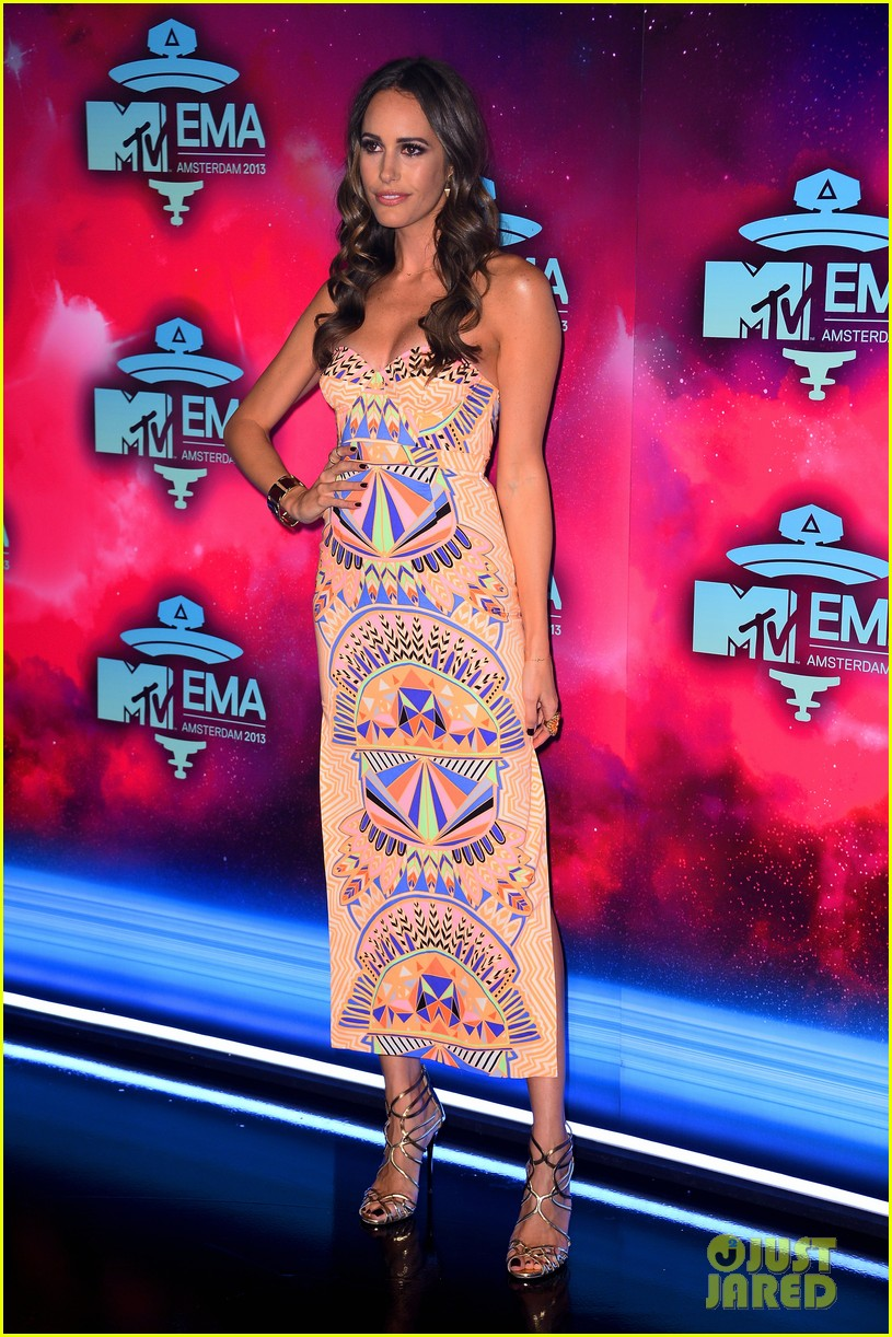 louise roe colton haynes mtv ema 2013 red carpet 082989953
