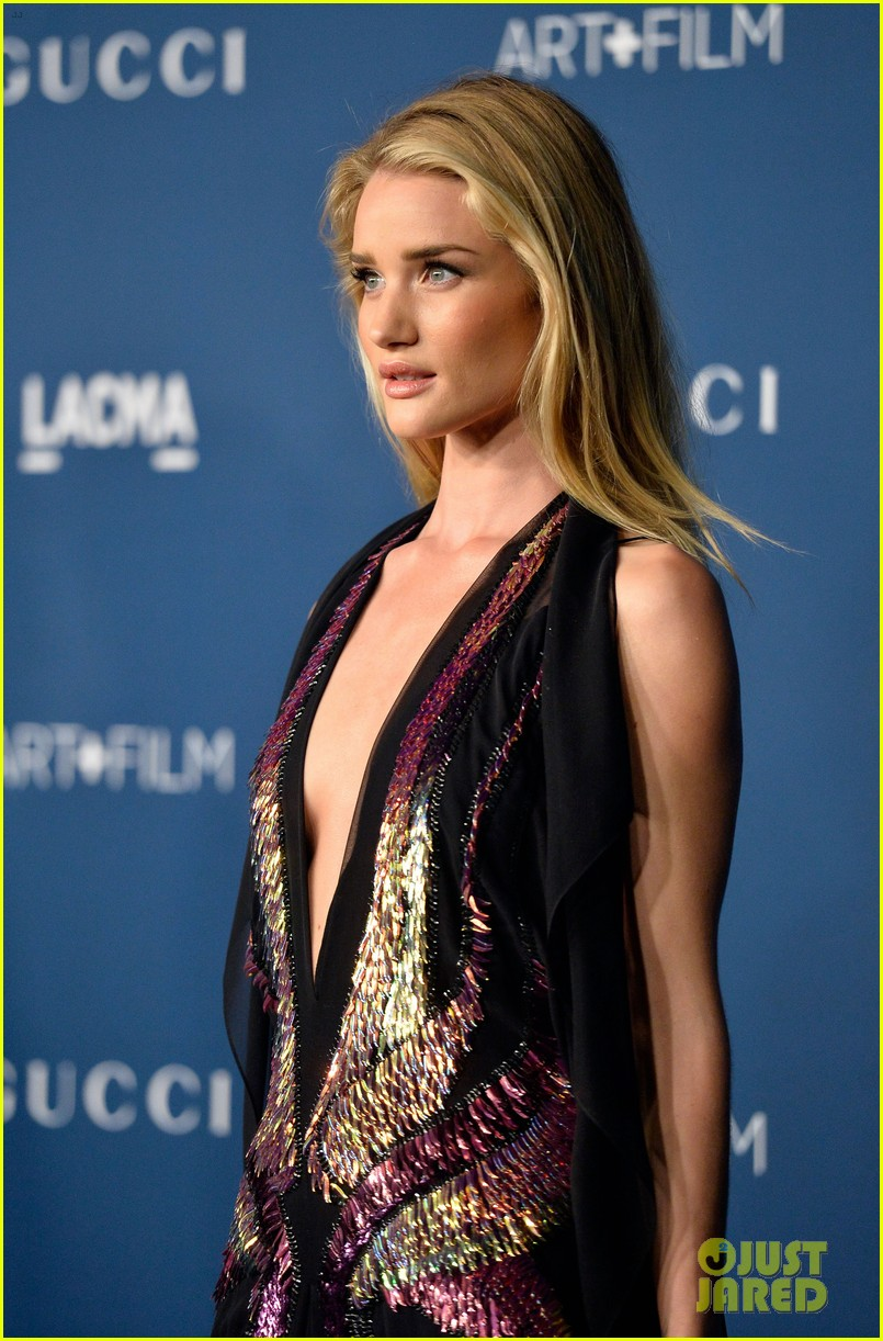 rosie huntington whiteley jeremy renner lacma gala 2013 12