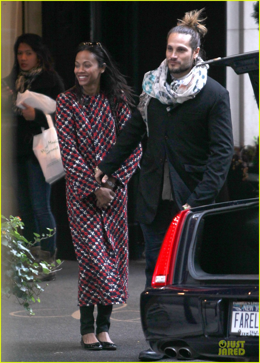 zoe saldana kisses marco perego after face tattoo flash 012988696