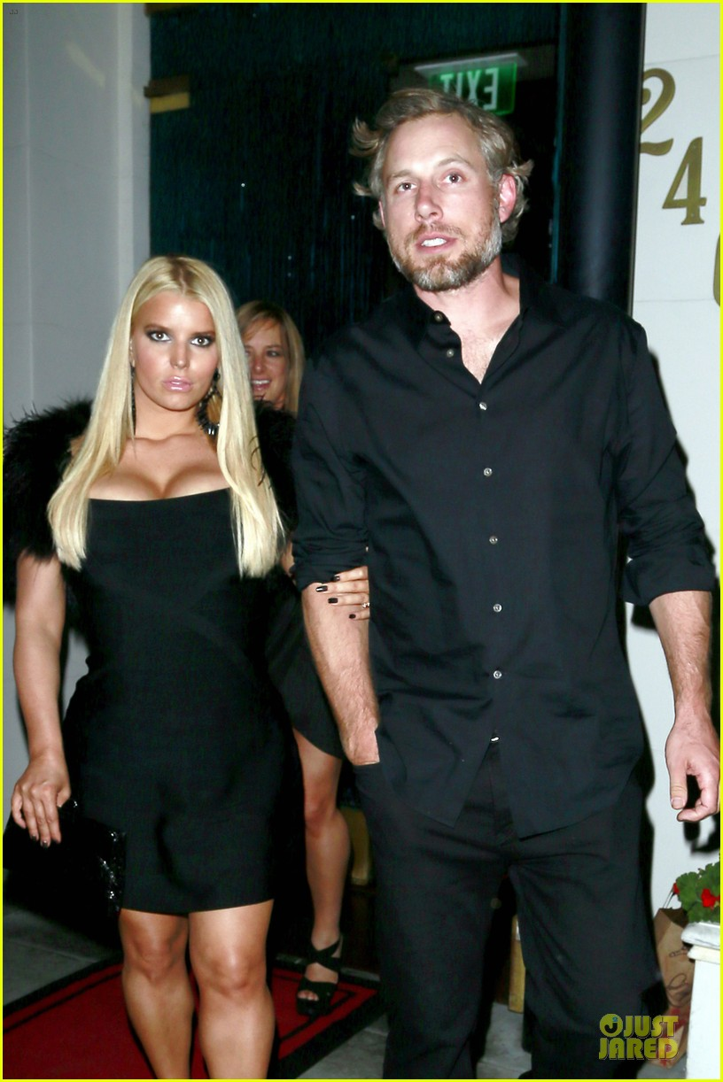 jessica simpson eric johnson halloween date with ashlee 02