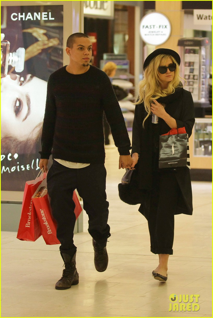 ashlee simpson is the one says boyfriend evan ross 01