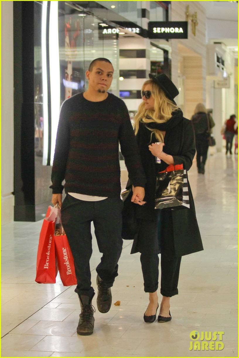 ashlee simpson is the one says boyfriend evan ross 16
