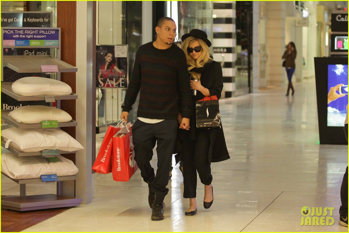 ashlee simpson is the one says boyfriend evan ross 17