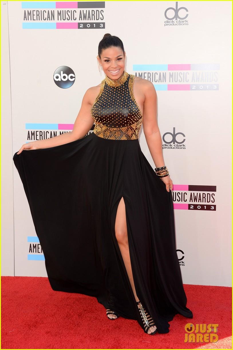 jordin sparks american music awards 2013 red carpet 03