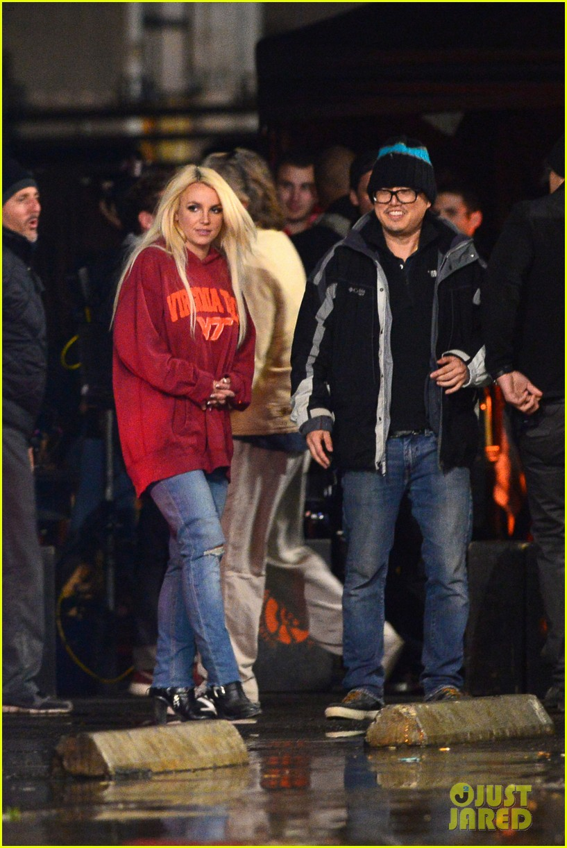 britney spears wears virginia tech sweatshirt shoots fun for music video 022997129