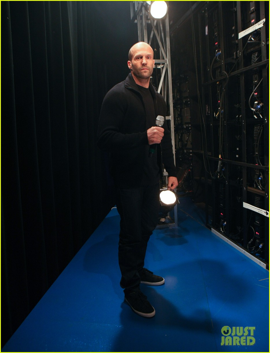 jason statham promotes homefront on 106 park 01