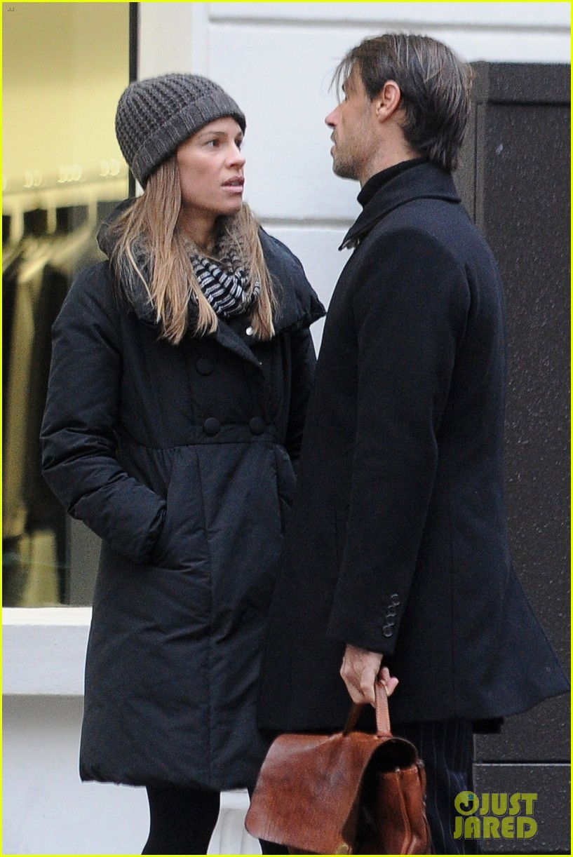 hilary swank lauren fleury kiss kiss in paris 04