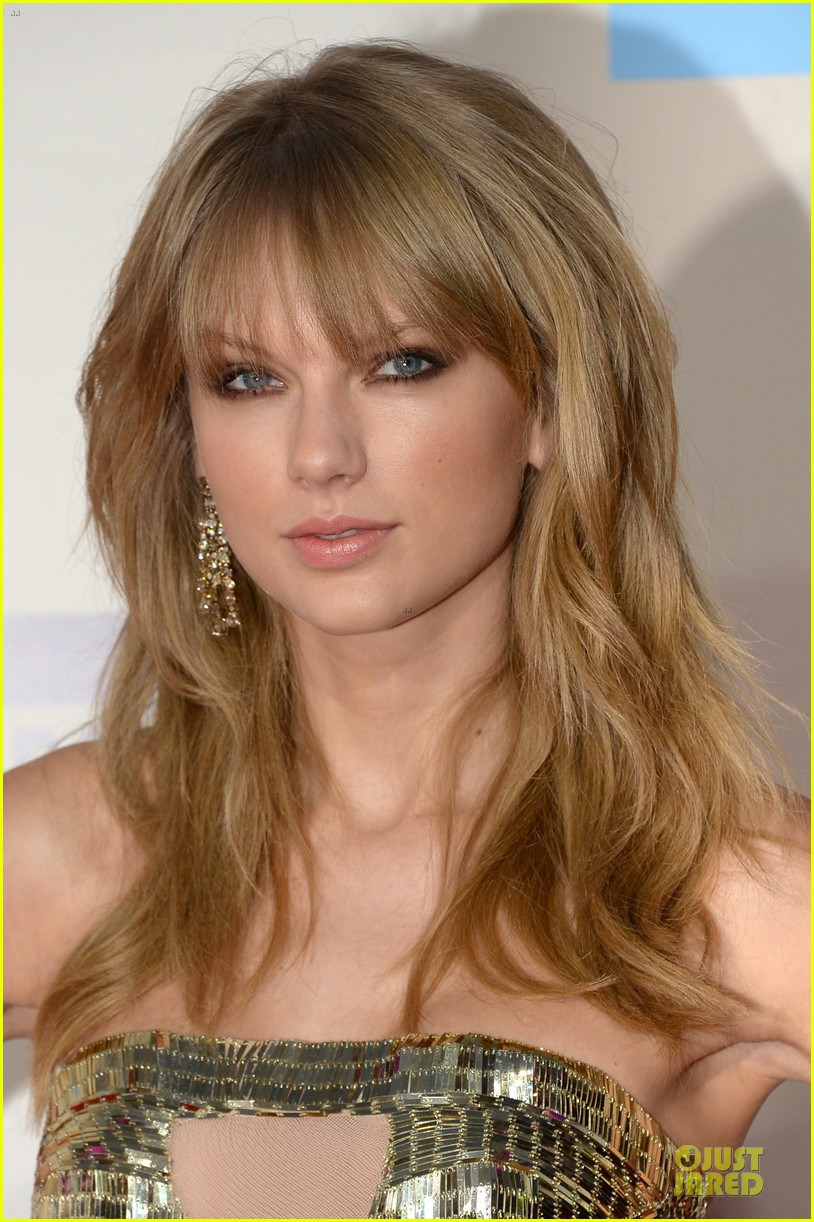 taylor swift amas 2013 red carpet 062999314