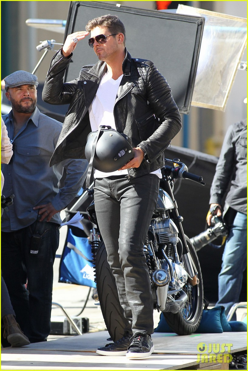 robin thicke biker boy for new music video shoot 012993072
