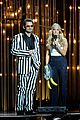 carrie underwood medley performance at cmas 2013 watch now 14