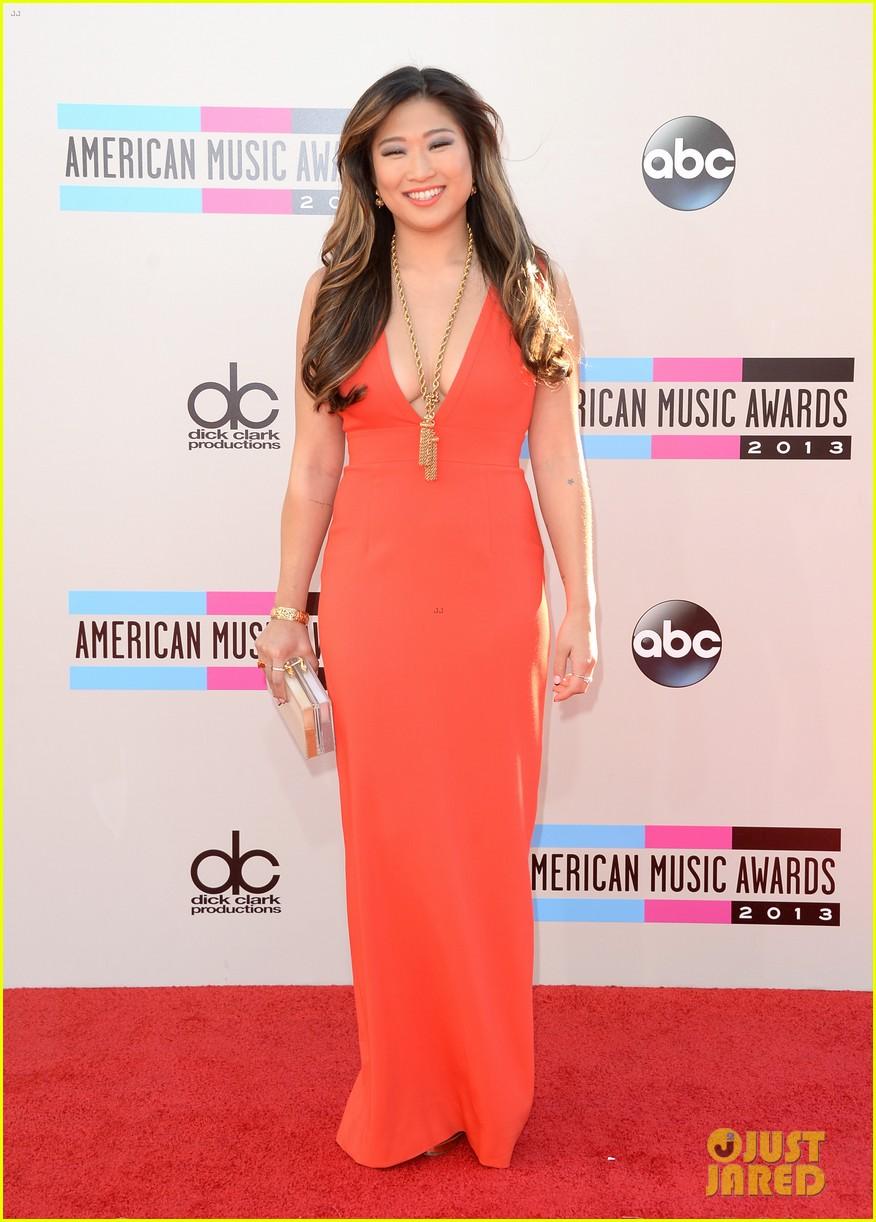 jenna ushkowitz amas 2013 red carpet 10