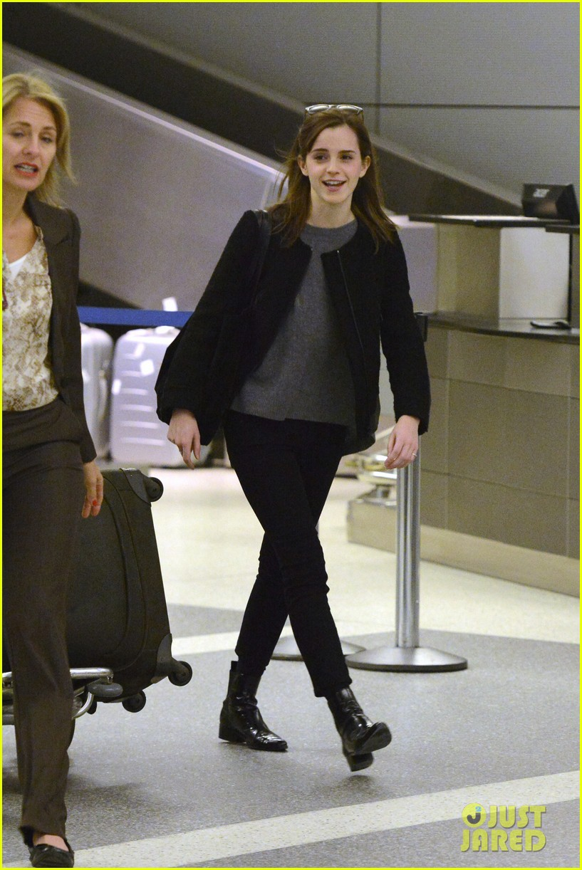 emma watson lands in los angeles after noah trailer debut 03