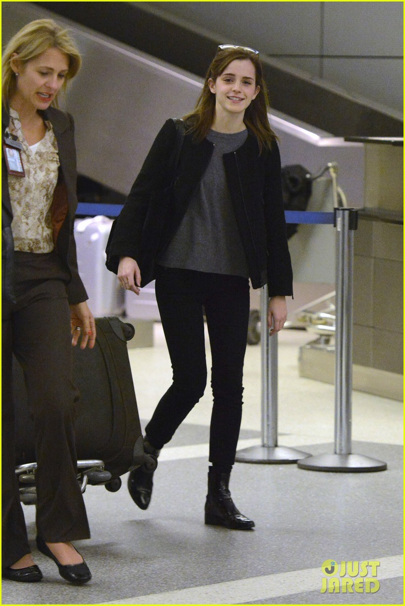 emma watson lands in los angeles after noah trailer debut 06