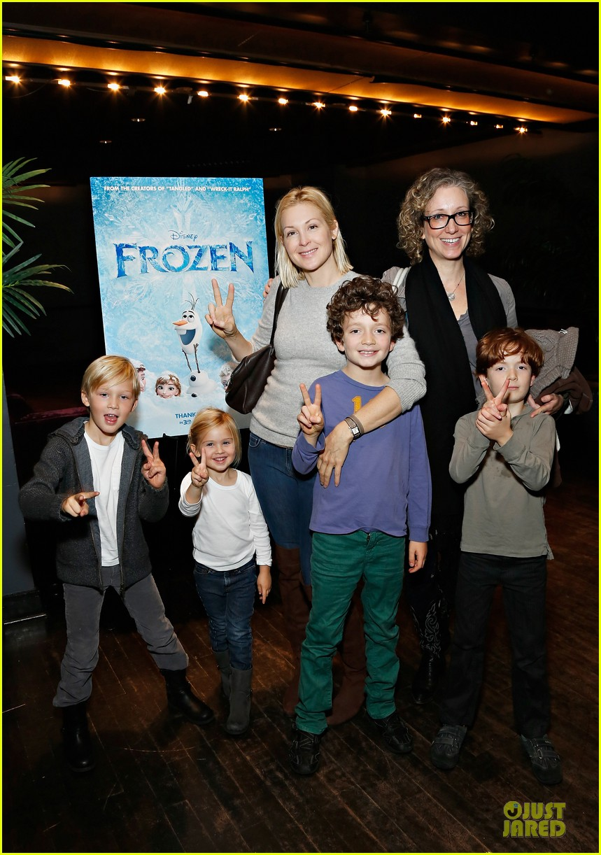 naomi watts frozen nyc screening with sasha 01