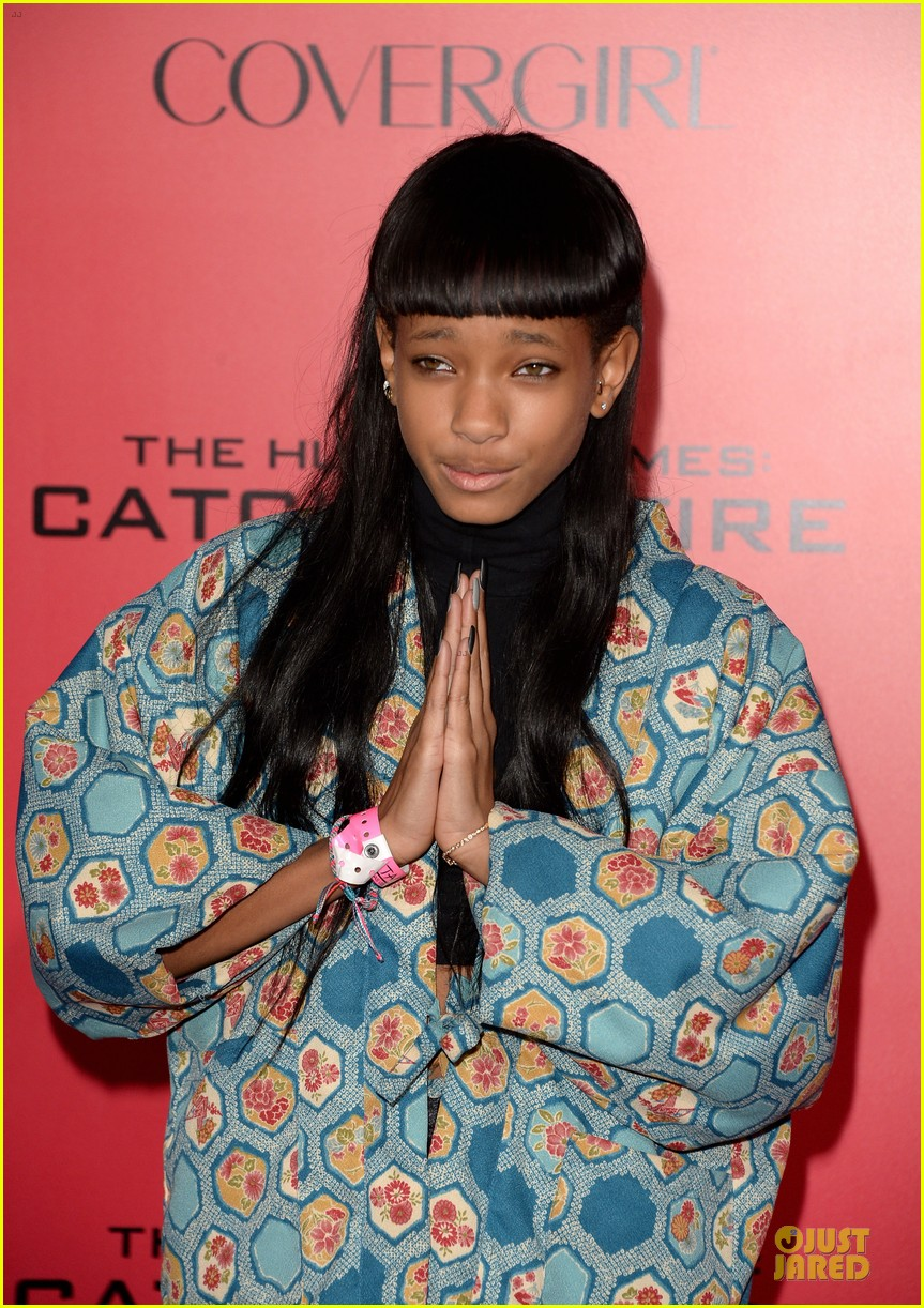 willow jaden smith catching fire la premiere 062995749