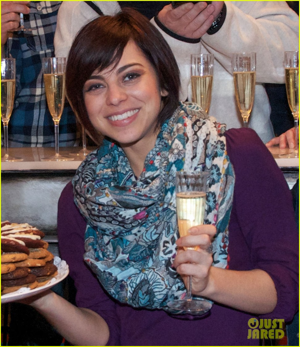 zachary levi krysta rodriguez celebrate 100 first date shows 03