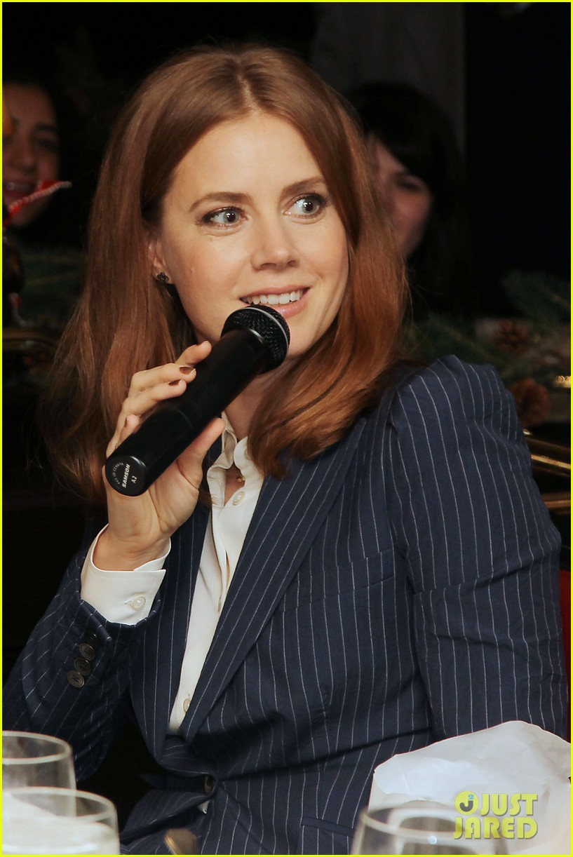 amy adams rocks pinstriped pantsuit at her luncheon 04