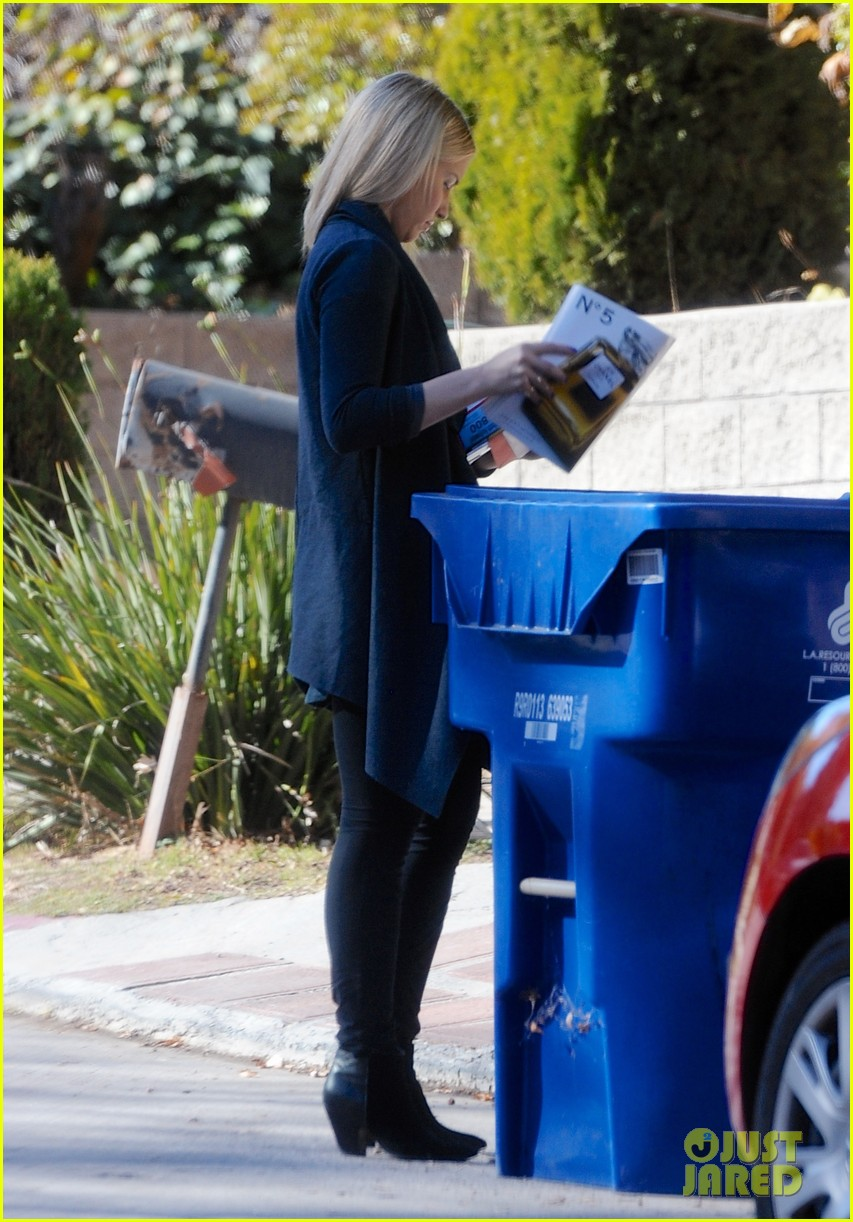 dianna agron recycles her mail after celebrating christmas 05