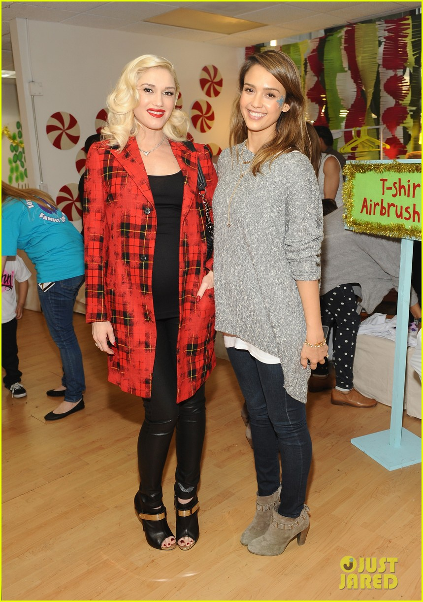 jessica alba gwen stefani baby2baby holiday party 14