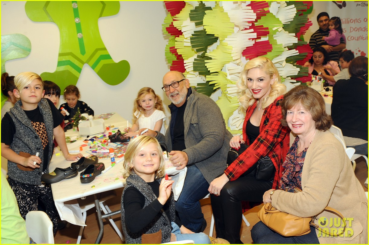 jessica alba gwen stefani baby2baby holiday party 203012315