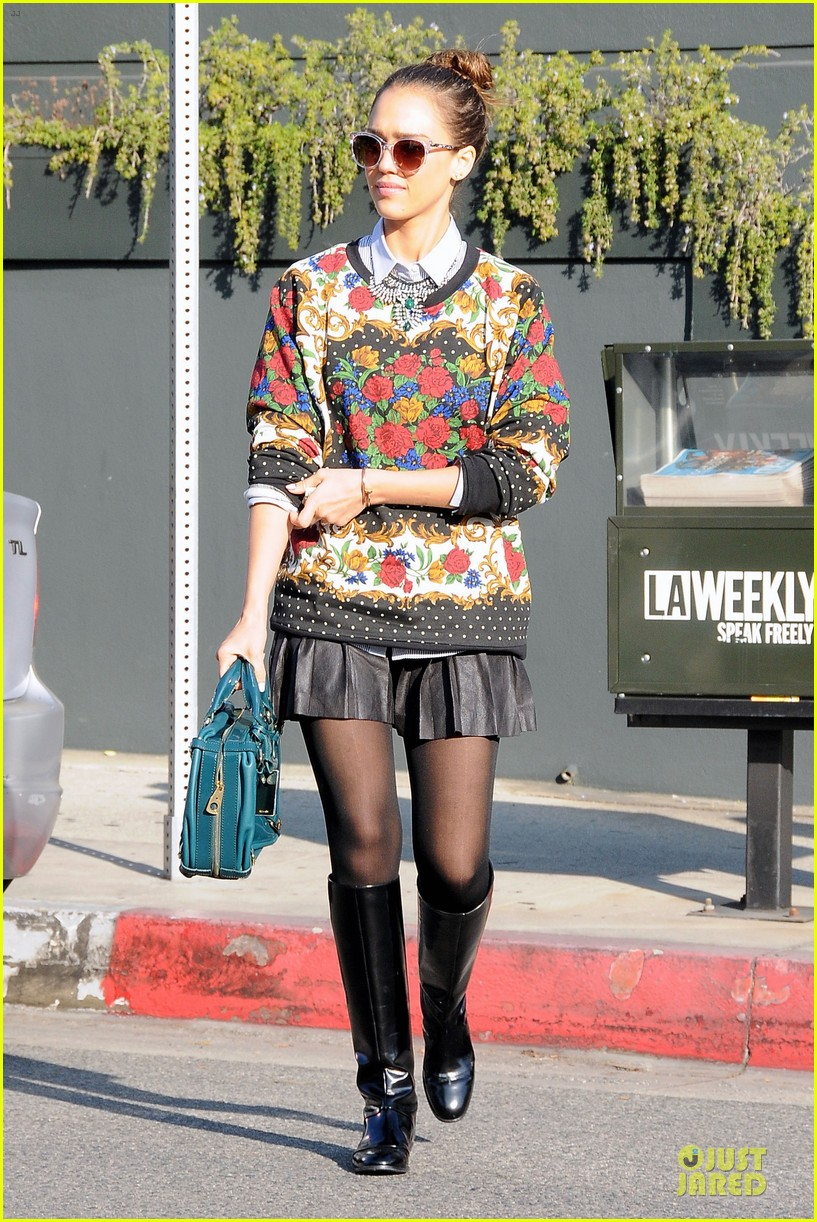 jessica alba floral friday at tavern 103011558