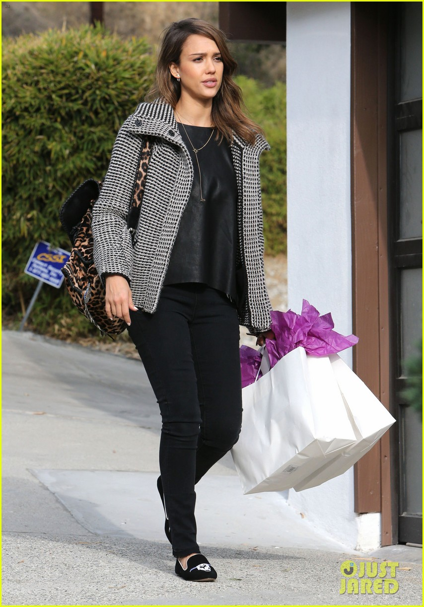 jessica alba set to attend the peoples choice awards 2014 143016120