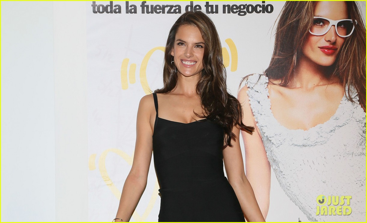 alessanda ambrosio rocks bikini after kio press day 03