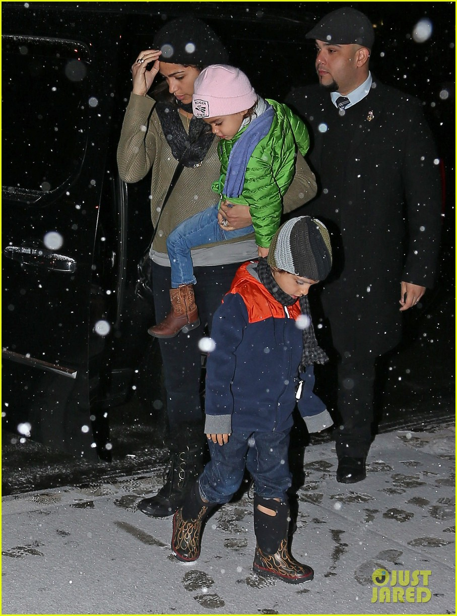 camila alves lands in snowy nyc with the kids 023013645