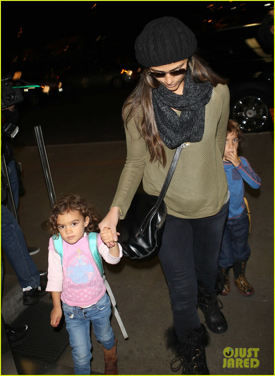 camila alves lands in snowy nyc with the kids 10