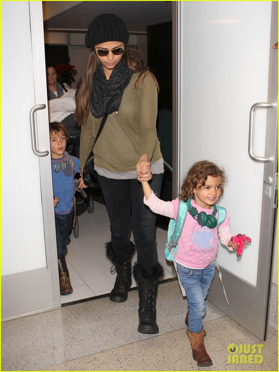 camila alves lands in snowy nyc with the kids 13
