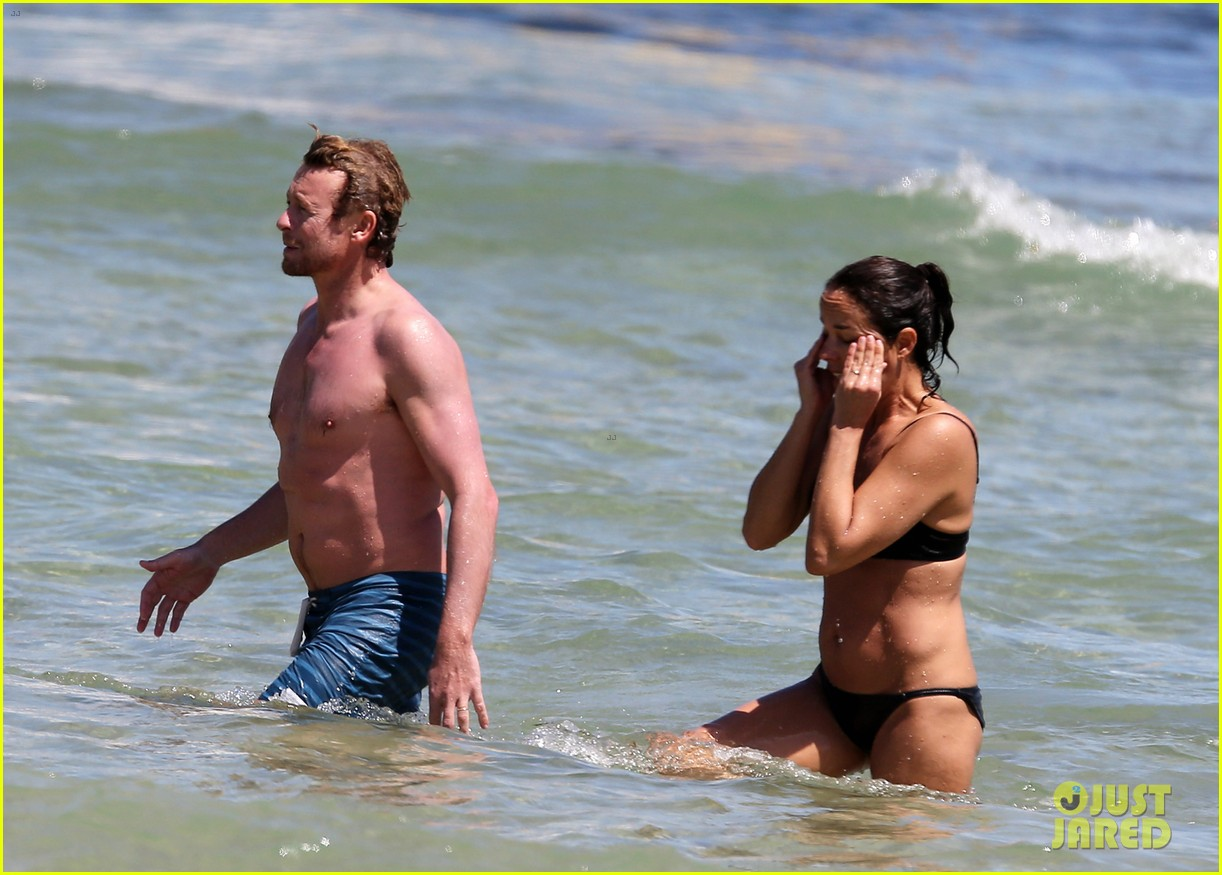 simon baker shirtless beach day with wife rebecca rigg 013012991