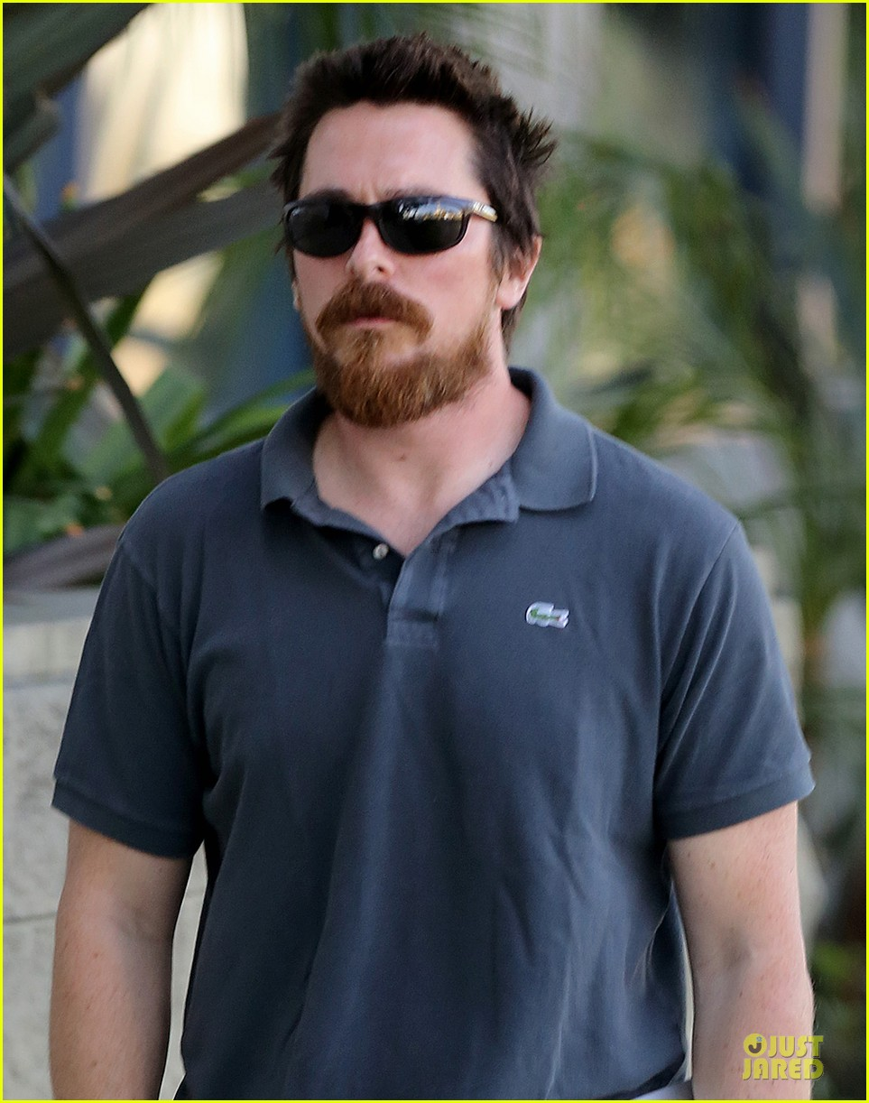christian bale friday errands with mac 02