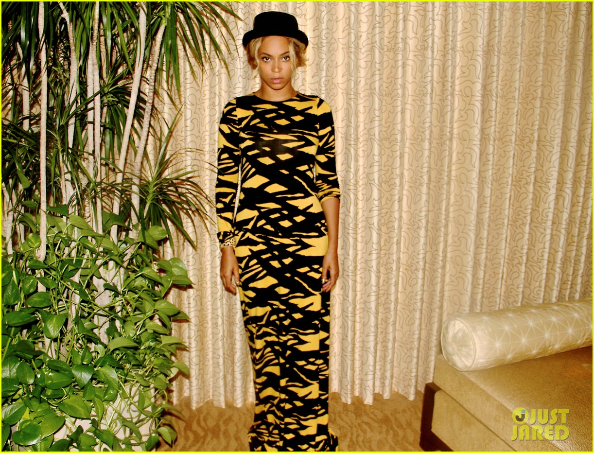 beyonce shares photo of her nelson mandela tumblr 02