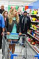 beyonce surprise shopping trip to walmart 03