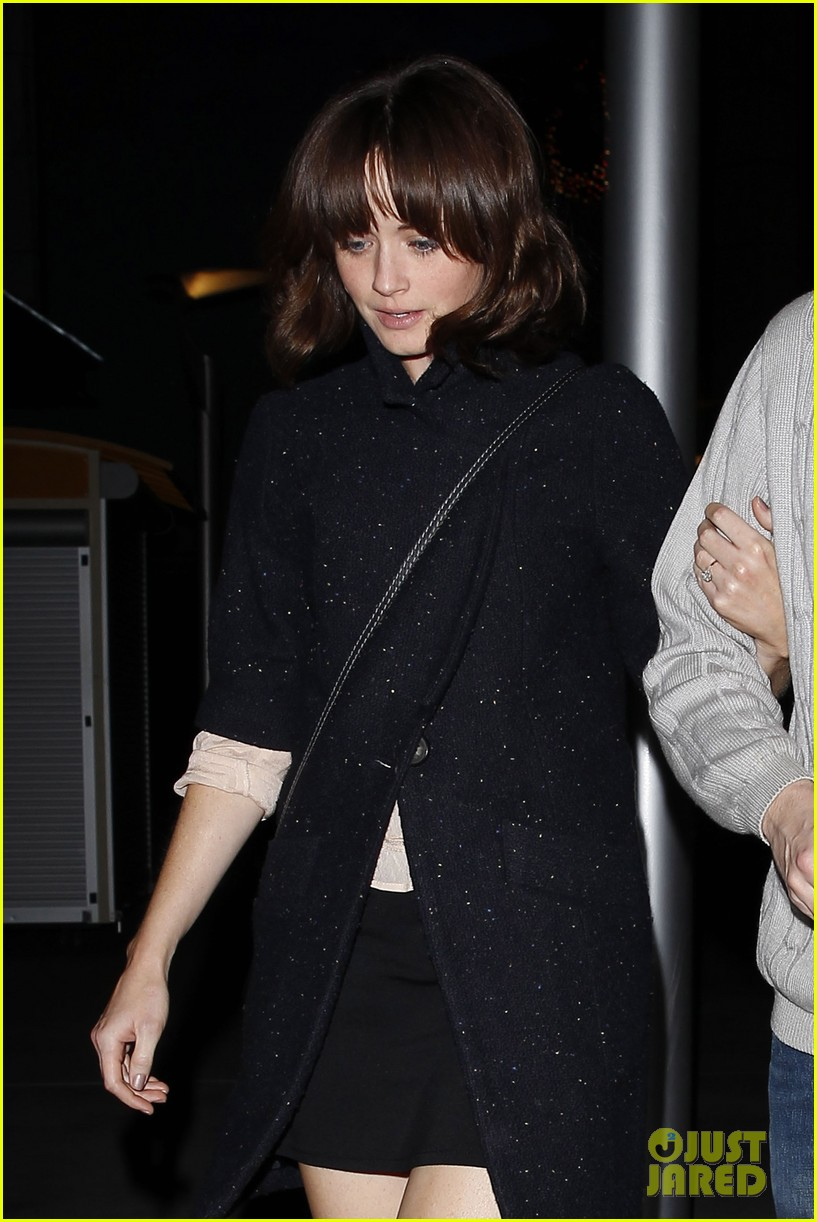 alexis bledel movie date with fiance vincent kartheiser 023003378