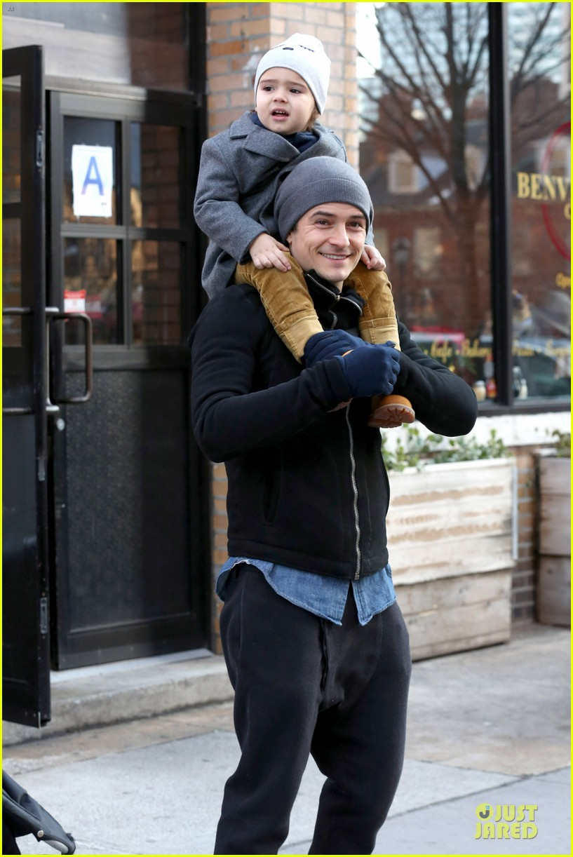 orlando bloom flynn beanie matching father son duo 04