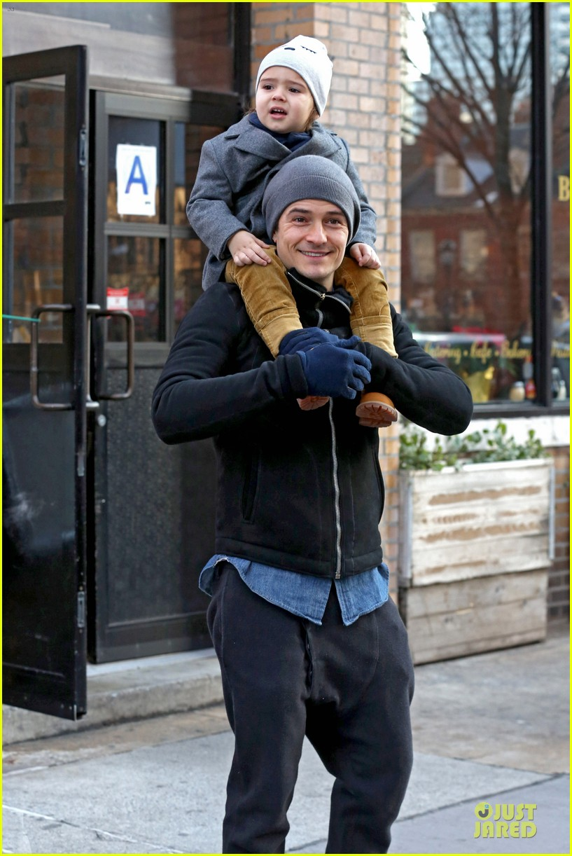 orlando bloom flynn beanie matching father son duo 06