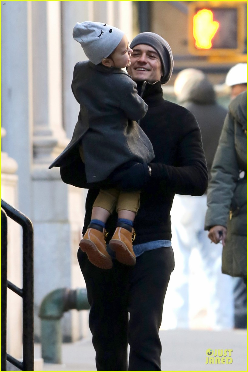 orlando bloom flynn beanie matching father son duo 113013185