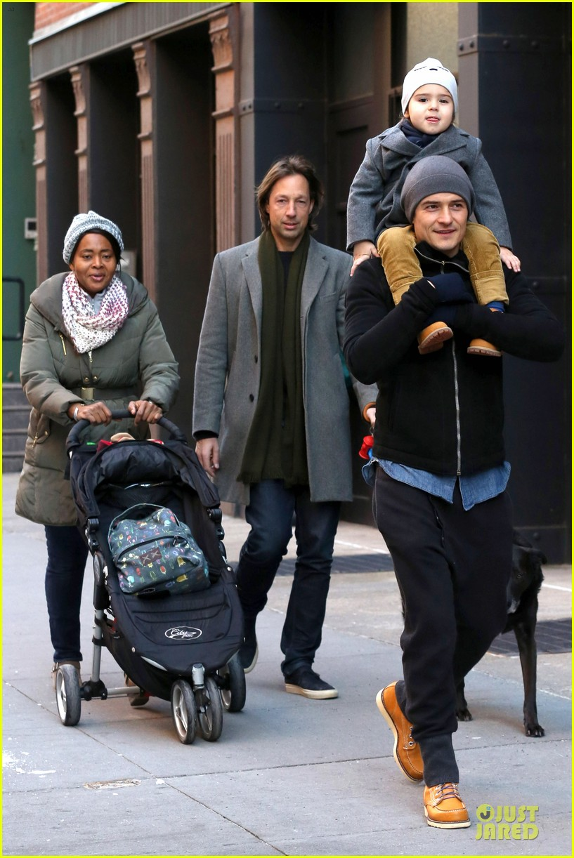 orlando bloom flynn beanie matching father son duo 173013191