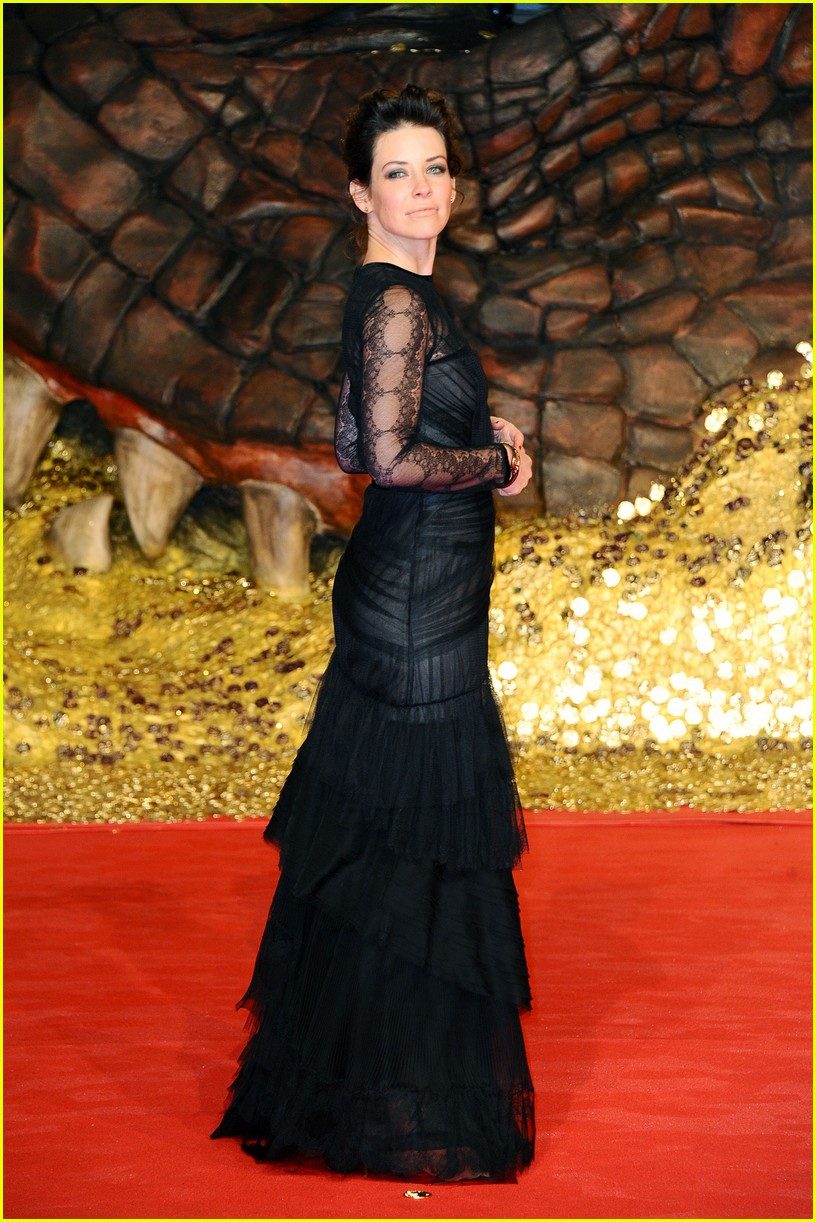 orlando bloom evangeline lilly hobbit berlin premiere 103008534