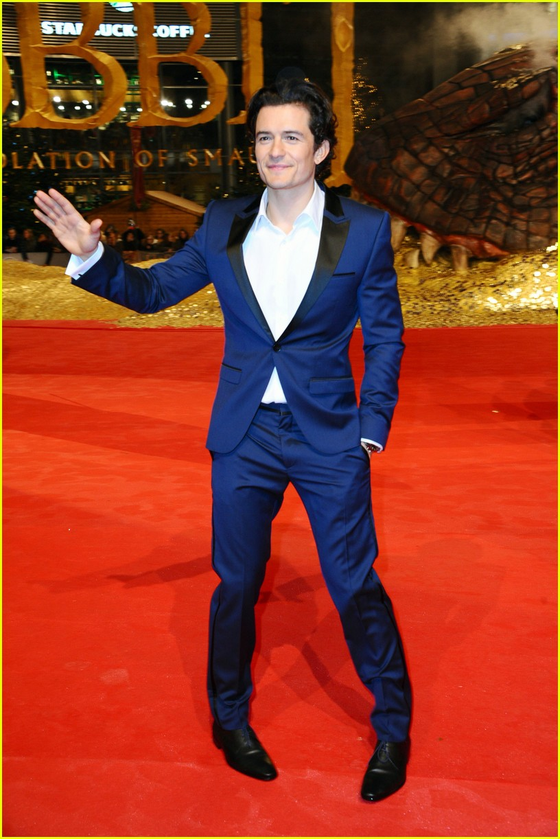 orlando bloom evangeline lilly hobbit berlin premiere 113008535
