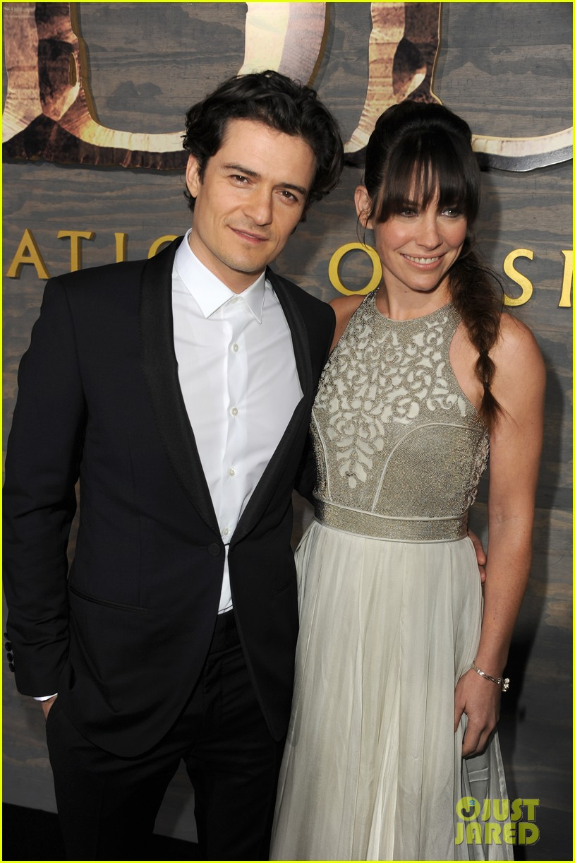 orlando bloom evangeline lilly hobbit hollywood premiere 02