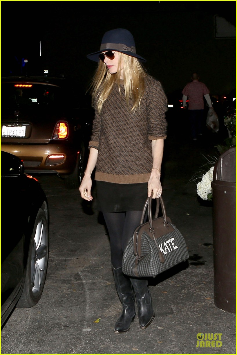 kate bosworth michael polish grocery run before holidays 01