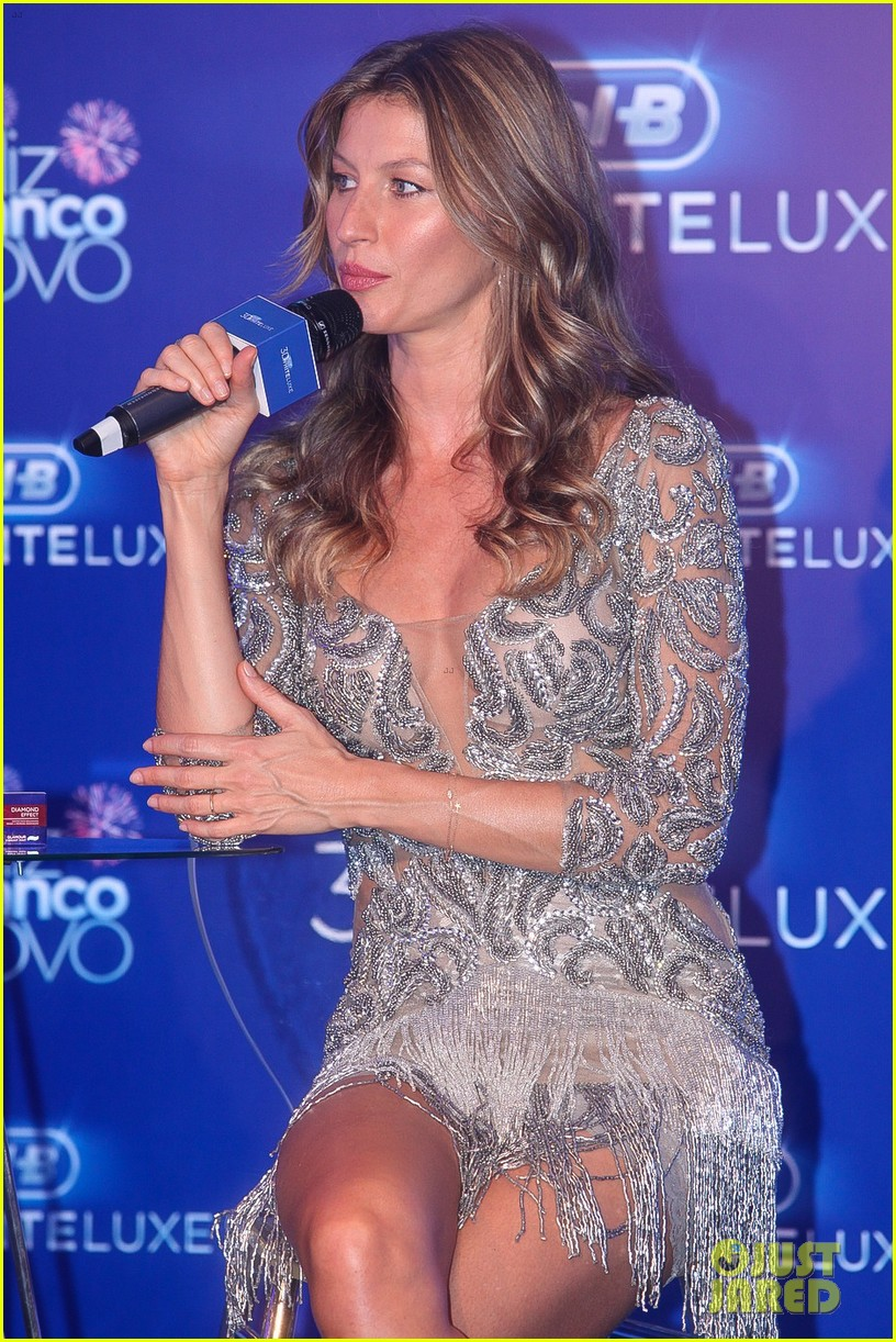 gisele bundchen shares breastfeeding pic before oral b event 113009145