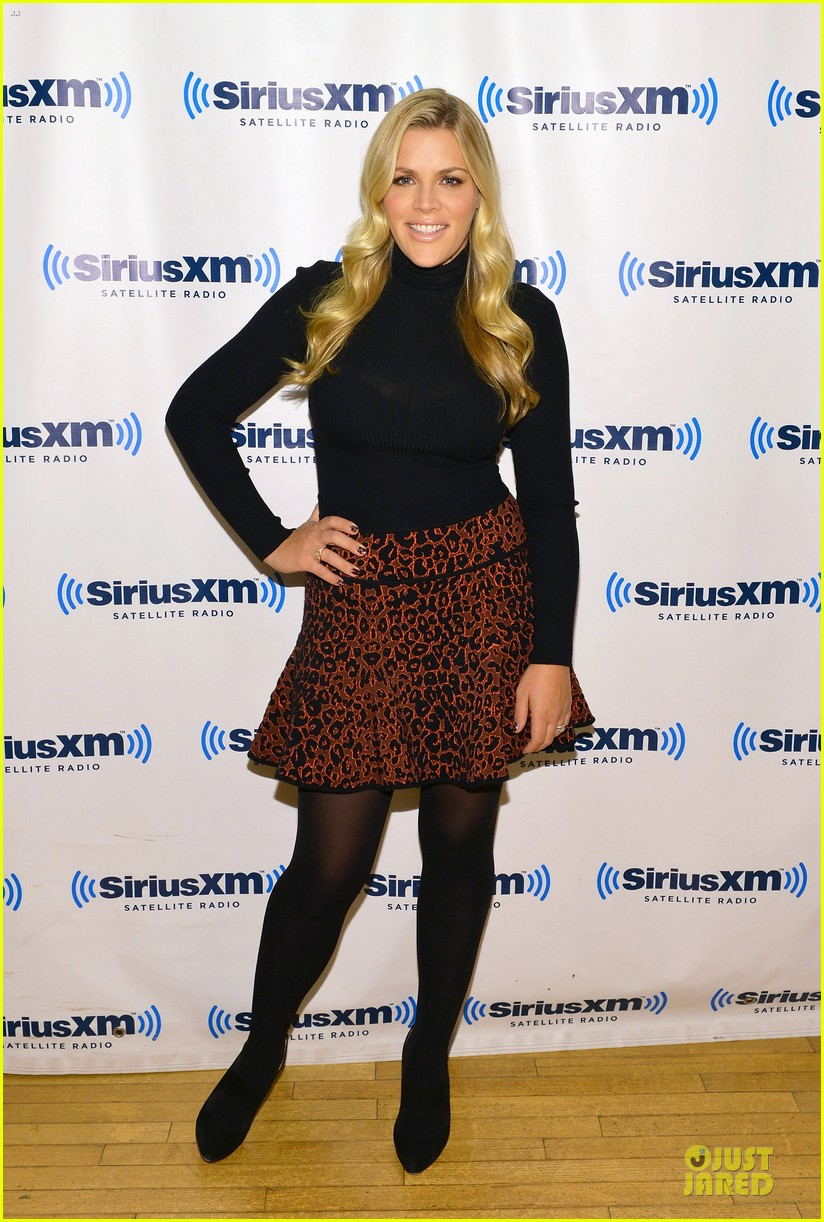 busy phillips fierce siriusxm studio visit 013004050